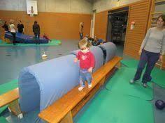 "Képtalálat a következőre: ""kindergarten ideen turnen"" Kids Gym, Kids Sports, Fitness Workouts, Gym Games, Gross Motor Activities, Soccer Coaching, Physical Education, Montessori, Physics"