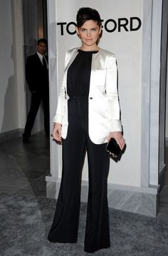 Ginnifer Goodwin...love the black and white