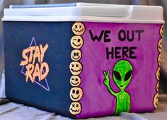 Need cooler painting inspiration or ideas? Check out some amazing painted coolers here. Frat Coolers, Painted Fraternity Coolers, Painted Coolers, Sorority Canvas, Sorority Paddles, Sorority Recruitment, Formal Cooler Ideas, Bubba Keg, Coolest Cooler