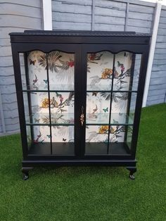 Upcycled Showcase Upcycled ShowcaseYou can find Upcycled furniture and more on our website. Refurbished Furniture, Paint Furniture, Repurposed Furniture, Furniture Projects, Furniture Makeover, Furniture Legs, Barbie Furniture, Garden Furniture, Furniture Design