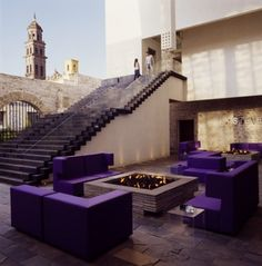 Tour La Purificadora, Puebla, a Member of Design Hotels™ with our photo gallery. Our Puebla hotel photos will show you accommodations, public spaces & more. Interior Exterior, Exterior Design, Interior Architecture, Luxury Interior, Purple Outdoor Furniture, Lobby Do Hotel, Patio Grande, Beste Hotels, Hotel Restaurant