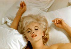 マリリン・モンロー、映画「荒馬と女」製作中のハリウッド、パラマウント ギャラリーにて