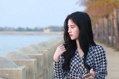 Chinese Actress, Cute Asian Girls, Ulzzang, Fashion Beauty, Idol, Actresses, Actors, Blazer, Long Hair Styles