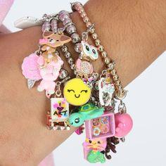 Kandi Bracelets, Bangle Bracelets With Charms, Cute Bracelets, Beaded Bracelets, Kawaii Jewelry, Cute Jewelry, Kawaii Charms, Serenity Tattoo, Biscuit