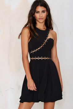 Trust a fit and flare dress to compliment your figure. Shop a cute skater dress from Nasty Gal. Cute Skater Dresses, Cut Out Skater Dress, Cutout Dress, Pretty Dresses, Fit N Flare Dress, Fit And Flare, Kohls Dresses, Casual Dresses, Lil Black Dress