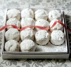 "Amateur Cook Professional Eater - Greek recipes cooked again and again: Classic ""Kourabiedes"" - GREEK traditional Christmas butter cookies Greek Sweets, Greek Desserts, Cookie Desserts, Greek Recipes, Cupcake Cookies, Cookie Recipes, Dessert Recipes, Shortbread Cookies, Cupcakes"