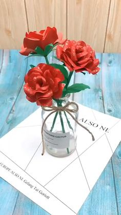 Paper Flower Patterns, Paper Flowers Craft, Paper Roses, Diy Flowers, Origami Flowers, Paper Crafts Origami, Diy Crafts For Gifts, Paper Crafts For Kids, Construction Paper Flowers