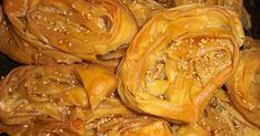 Της Roulasmera    Παραδοσιακή συνταγή Καρδίτσας!    Τις Δίπλες τις έφτιαχνε κάθε χρόνο η μαμά μαζί με τα ψωμάκια, (συνταγή εδώ)  στις ... Sweet Pie, Confectionery, Chicken Wings, Peanut Butter, Cabbage, Sweets, Meals, Vegetables, Recipes