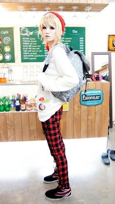 Japanese fashion!! I wanna dress like this with out being stared at like a weirdo!