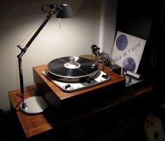 Garrard 301 with Shinso platter in LignoLab plinth, EMT 997 tonearm – Richie Knight – Audioroom Vinyl Record Storage, Lp Storage, Audiophile Speakers, Hifi Audio, Audio Design, Speaker Design, Turntable Cd Player, Turntable Setup, Vinyl Turntable