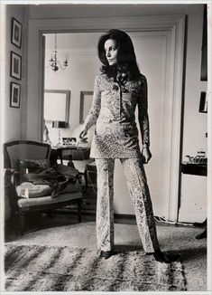Diane von Fürstenberg by Neal Boenzi/The New York Times, 70s Fashion, Vintage Fashion, Fashion Trends, Fashion Idol, Turkish Fashion, Womens Fashion, New York Times, Ny Times, 70s Mode