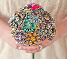 Brooch Bouquet. I wish I had done this for our wedding.