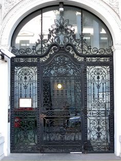 Strauss Door by Via Kali, via Flickr  Vienna, Austria