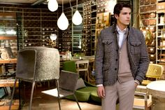 Fay City Diaries features the Men's Fall - Winter 2013/14 collection with the polished backdrop of Milan. Field Jacket.  http://www.fay.com/it/city-diaries/milano