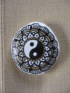 ying yang painted stone by Atita-guna Pebble Painting, Stone Painting, Rock Painting, Yin Yang Art, Painted Pebbles, Rock Art, Painting Inspiration, Sea Glass, Mandala