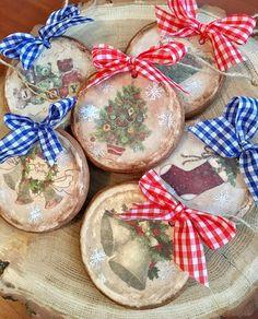 #пряники #пряникикиев #пряникиновыйгод #пряникиукраина #пряникиназаказкиев #новыйгод #новыйгод2018 #подарокнановыйгод #подаркиручнойработы #новыйгод Fabric Christmas Ornaments, Teacher Christmas Gifts, Diy Christmas Ornaments, Homemade Christmas, Rustic Christmas, Christmas Holidays, Christmas Bulbs, Christmas Decorations, Cute Christmas Ideas