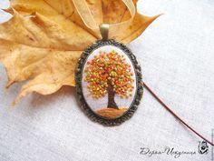 Купить Кулон текстильный с вышивкой гладью Золотая осень - ручная работа, handmade, Вышивка гладью