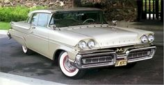 1958 Mercury Montclair 2-Door Hardtop