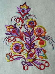 Embroidery Works, Embroidery Motifs, Hardanger Embroidery, Embroidery Hoop Art, Cross Stitch Embroidery, Embroidery Designs, Geometric Embroidery, Modern Crafts, Lana