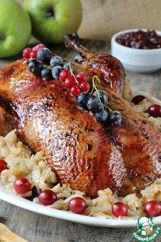 Утка с квашеной капустой и яблоками - кулинарный рецепт