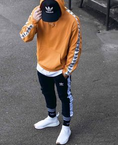 Men's Adidas Sweatshirt With Sleeve Print Swag Outfits Men, Stylish Mens Outfits, Tomboy Outfits, Casual Outfits, Fashion Outfits, Mode Streetwear, Streetwear Fashion, Hypebeast Outfit, Adidas Outfit