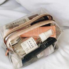 Mekka Kosmetiktasche - Kids Snacks - Make Up Brushes - DIY Piercing - Red Hair Styles - DIY Interior Design Beauty Care, Beauty Skin, Beauty Hacks, Beauty Tips, Beauty Makeup, Beauty Essentials, Makeup Bag Essentials, Beauty Blogs, Skin Makeup