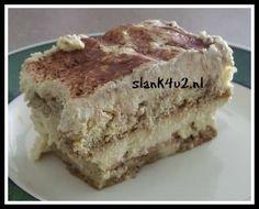 Koolhydraatarme Tiramisu Eindelijk hier een lang gewenst en verwacht recept van een koolhydraatarme versie van Tiramisu! Precies op tijd voor een dessert tijdens de aankomende feestdagen, maar ik verwacht dat we deze van de week veelvuldig langs gaan zien komen op... #cacaopoeder #eieren #essence Low Carb Sweets, Low Carb Desserts, Low Carb Recipes, Brownie Recipes, Cake Recipes, Dessert Recipes, Sweet Pie, Sweet Sauce, Tiramisu