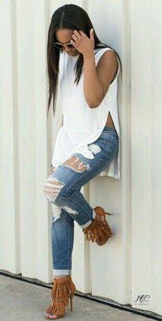Всегда в тренде! Джинсы + белые блузы 7