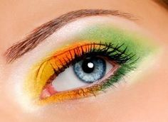 Sexy ladies makeup is magic #eyeshadow www.loveitsomuch.com