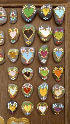 Painted rocks by Bérengère Cabanes