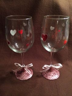 Valentines Day Glitter Wine Glasses by kuteKrazyKreations on Etsy