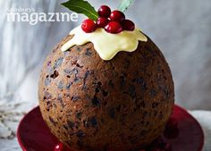 Cranberry gingerbread Christmas pudding with ginger sauce - Sweet Food Christmas Pudding, Christmas Sweets, Christmas Cooking, Christmas Christmas, English Christmas, Chocolates, Cupcakes, Mince Pies, Pudding Recipes