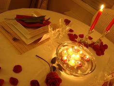Modelo de arrumação de mesa para jantar romântico #love
