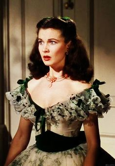 Gone With The Wind starring Vivien Leigh as Scarlett O'Hara, Clark Gable, Leslie Howard and Olivia de Havilland. Directed by Victor Fleming. Hollywood Glamour, Classic Hollywood, Old Hollywood, Vivien Leigh, Old Movies, Great Movies, Go To Movies, Victor Fleming, Leslie Howard