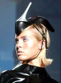 Is it weird ?: Weird Hats Part 2 Anti Fashion, Fashion Fail, Funny Fashion, Weird Fashion, Fashion Hub, Fashion Ideas, High Fashion, Fashion Clothes, Fashion Inspiration