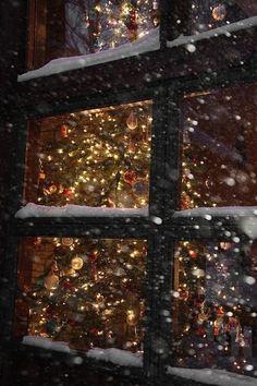 Snowy Night, Vail, Colorado photo via sarah
