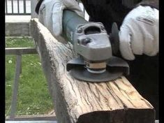 Treibholzeffekt - Kaffee Essig Stahlwolle - verwittertes Holz - DIY - YouTube Woodworking Tips, Wood Projects, Wood Crafts, Diy Crafts, Youtube Laura, Weather Wood Diy, Steel Wool, Weathered Wood, Driftwood