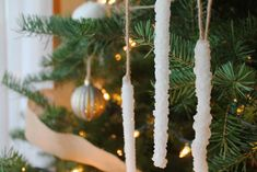 32 DIY Christmas Ornaments That Are Worlds More Special Than Store-Bought - First For Women Diy Icicle Ornaments, Globe Ornament, Homemade Ornaments, Christmas Ornaments To Make, Personalized Christmas Ornaments, How To Make Ornaments, Homemade Christmas, Rustic Christmas, Christmas Crafts