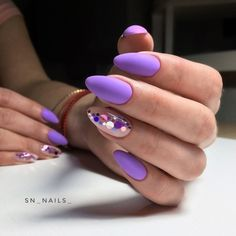 This series deals with many common and very painful conditions, which can spoil the appearance of your nails. SPLIT NAILS What is it about ? Nails are composed of several… Continue Reading → Almond Nail Art, Almond Nails, Classy Nails, Trendy Nails, Perfect Nails, Gorgeous Nails, Cute Acrylic Nails, Cute Nails, Confetti Nails