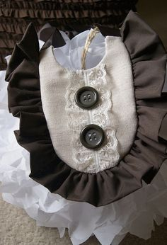 Ruffle Bib for Baby Girl LINEN BROWN & LACE by apPEARelTREE on Etsy. Vintage, Mod, Boho. Accessory for any dress, skirt!