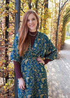 Outfit | Kimono From Bali - @forever21 burgundy glitter sweater - Blogger & Instagrammer (@RetroSonja) from Amsterdam - Rijksmuseum Gardens Fall - www.retrosonja.com