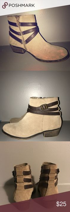 Brown Booties Don't fit anymore. Great condition ! White Mountain Shoes Ankle Boots & Booties