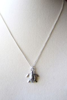 I love sea turtles, and would looooove this necklace