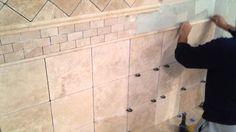 Cara Pasang Marmer Kering Untuk Permukaan yang Vertikal . Cara pasang marmer kering sebenarnya mirip dengan metode pemasangan marmer sistem basah. Meskipun ada beberapa langkah yang berbeda, namun persiapan dan finishing yang dilakukan pada dasarnya sama. Jika cara pasang marmer basah dilakukan untuk pemasangan marmer pada lantai maka untuk pemasangan marmer sistem kering dilakukan untuk pemasangan marmer pada dinding.