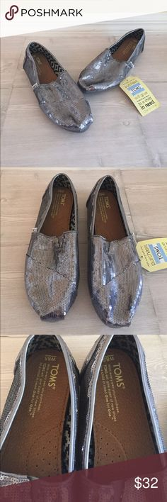 NWT TOMS Pewter Sequin Classics Size 8.5 NWT TOMS Pewter Sequin Classics Size 8.5. Box not included. TOMS Shoes