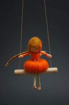 Naald Felted Fairy Doll oranje MADE TO ORDER van DORIMU op Etsy