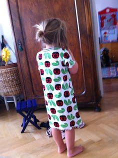 tunikakleid von lillesol Skirts, Fashion, Tunic, Gowns, Moda, Fashion Styles, Skirt, Fashion Illustrations