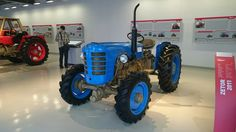 Zetor 3045 Antique Tractors, Old Tractors, Old Cars, Cars And Motorcycles, Old School, Diesel, Vehicles, Vintage, Yard