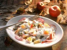 Apfel-Heringssalat ist ein Rezept mit frischen Zutaten aus der Kategorie Kernobst. Probieren Sie dieses und weitere Rezepte von EAT SMARTER!