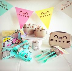 I love pusheen and my collection Pusheen Birthday, Cat Birthday, Birthday Parties, Pusheen Cakes, Pusheen Love, Pusheen Stuff, Pusheen Stormy, Subscription Boxes For Kids, Cat Party